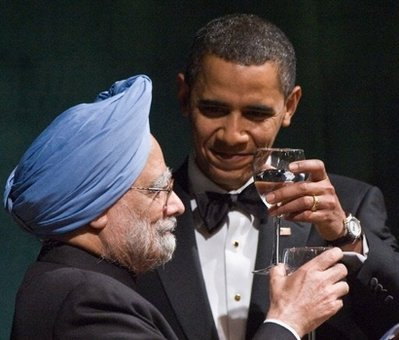 Dr. Manmohan Singh and Pres. Obama at the White House state dinner.